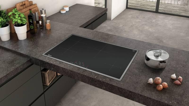 neff t 48 bd 13 n2 autark 80 cm induktionskochfeld touchcontrol edelstahlrahmen kochfelder. Black Bedroom Furniture Sets. Home Design Ideas